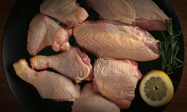 Como cortar frango