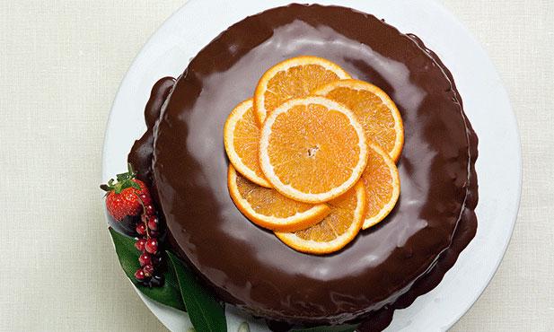 Bolo de laranja, cenoura e chocolate