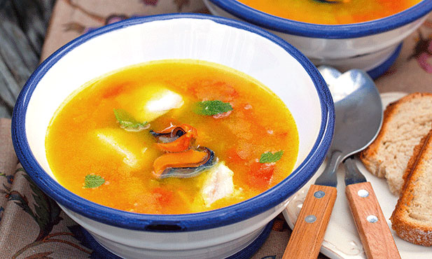 Sopa de peixe com mexilhão