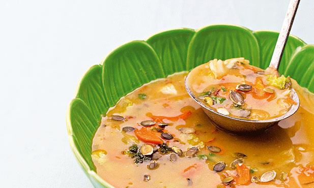 Sopa de lentilhas vermelhas