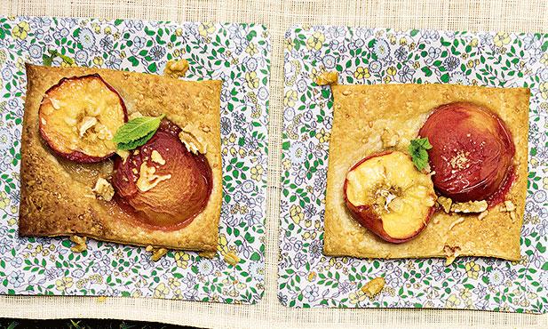 Nectarinas em crosta de queijo