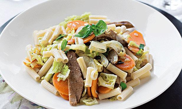 Seitan com vegetais aromáticos