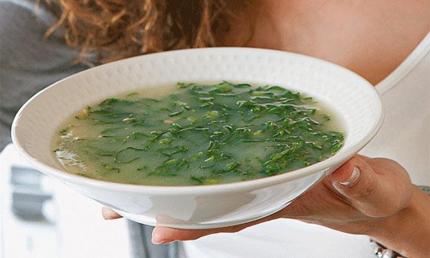 Caldo-verde com broa