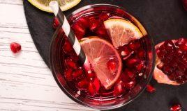 Sangria de vinho Lambrusco e romã