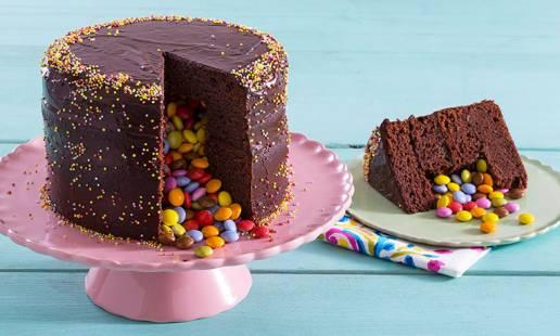 Surpreenda com um bolo pinhata!