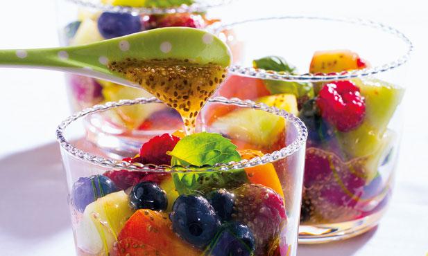 Salada de fruta com gelatina de chia