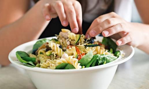 Salada de atum com massa