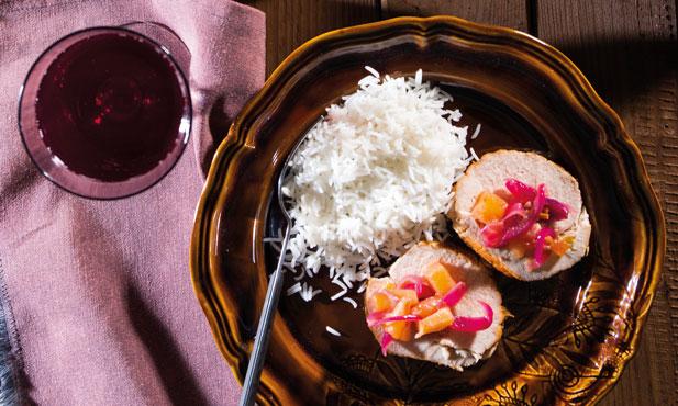 Peito de peru com tâmaras e abacaxi