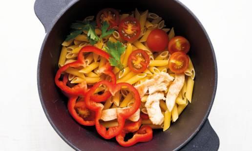 One pot pasta de frango e pimento