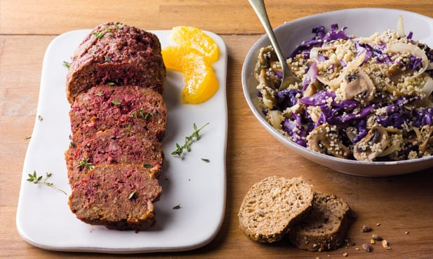 Rolo de carne com beterraba