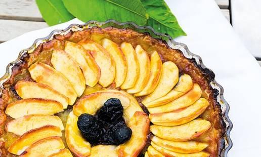 Tarte de maçã e ameixa