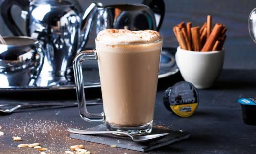 Cappuccino com uísque e especiarias