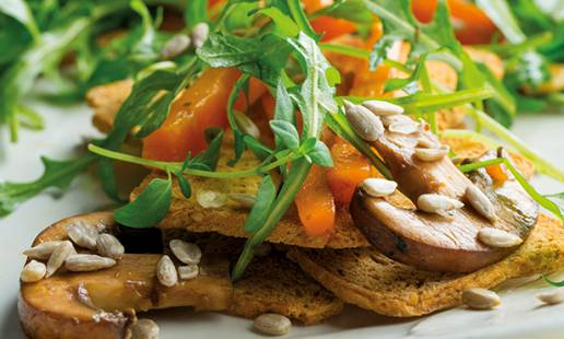 Cenouras marinadas com cogumelos