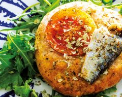 Mini-focaccia de batata com sardinhas