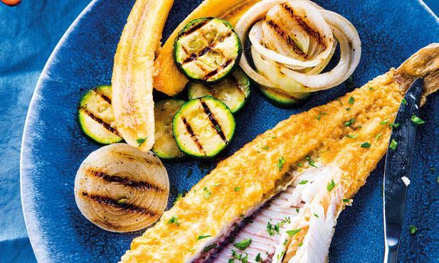 Linguado com banana frita