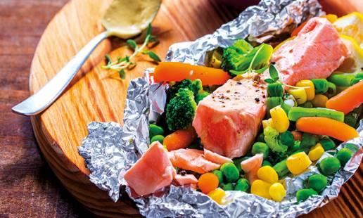 6ª feira: lombo de salmão com legumes e batata-doce