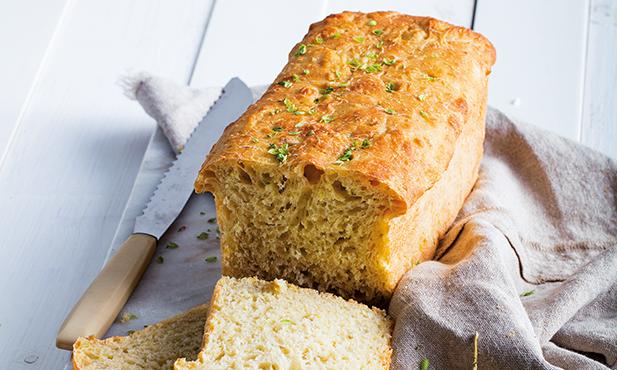 Pão de cebola com orégãos