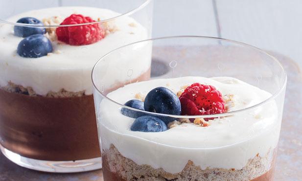 Mousse de chocolate com creme de iogurte
