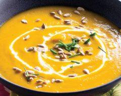 Sopa de cenoura com courgette e batata-doce