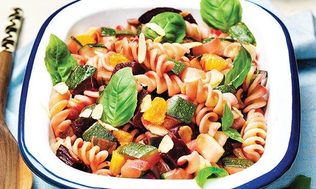 Salada de fusilli com legumes