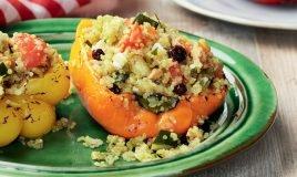 Trio de pimentos recheados com quinoa