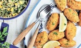 Pastéis de bacalhau com salada de quinoa