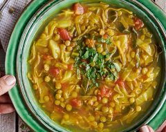 Sopa de lentilhas e couve-galega
