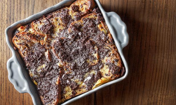 Pudim de bolo-rei com chocolate