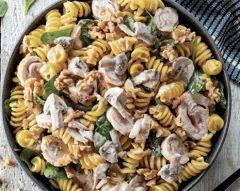 Fusilli fresco com frango e cogumelos