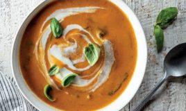 Sopa de tomate com lentilhas