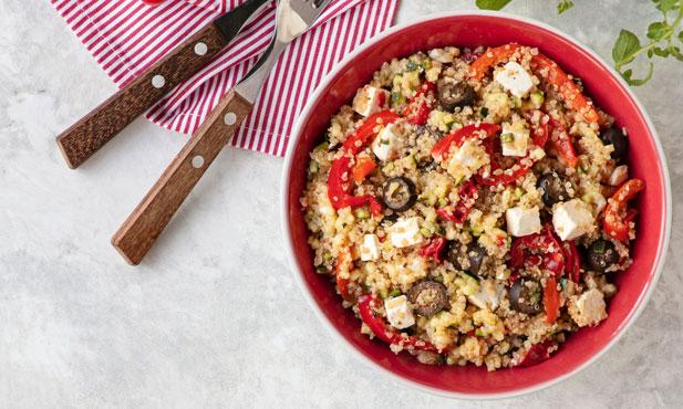 Salada de quinoa com pimentos e feta