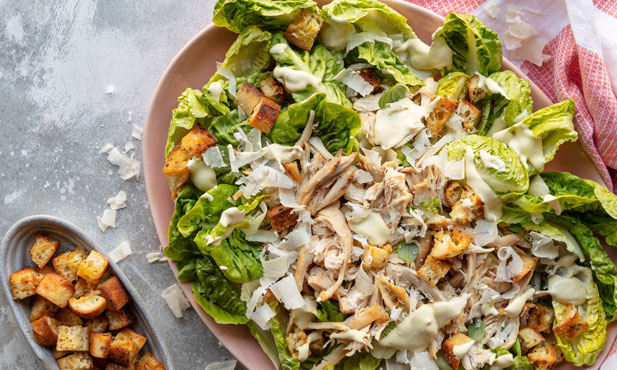 Salada César com croutons