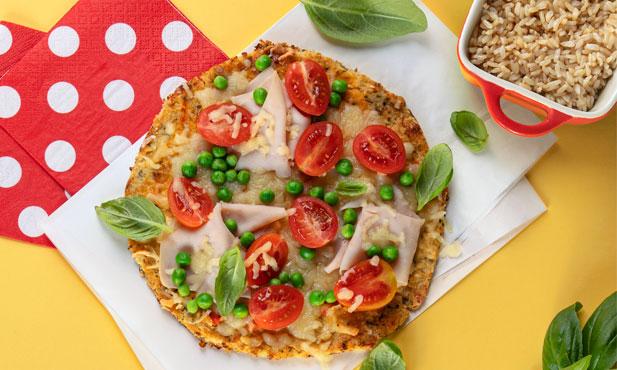 Pizza de couve-flor com fiambre
