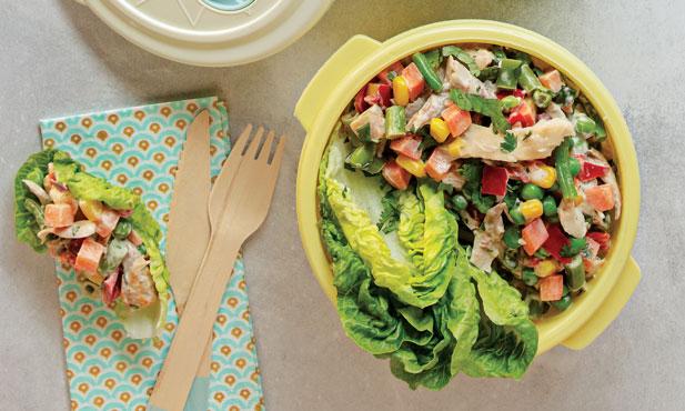 Salada russa de frango com alface