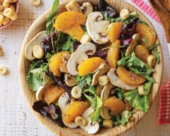 Salada de cogumelos com laranja