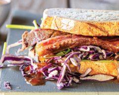 Sanduíche de Angus com legumes crocantes
