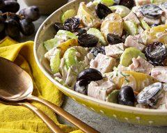 Salada de batata com uvas e peru fumado