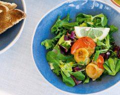 Salada de vieiras com molho de mostarda