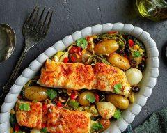 Bacalhau no forno com couve e pimentos