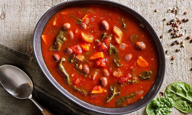 Sopa de feijão com tomate