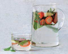 Água de morango e gengibre
