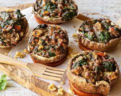 Cogumelos recheados com espinafres e queijo da ilha